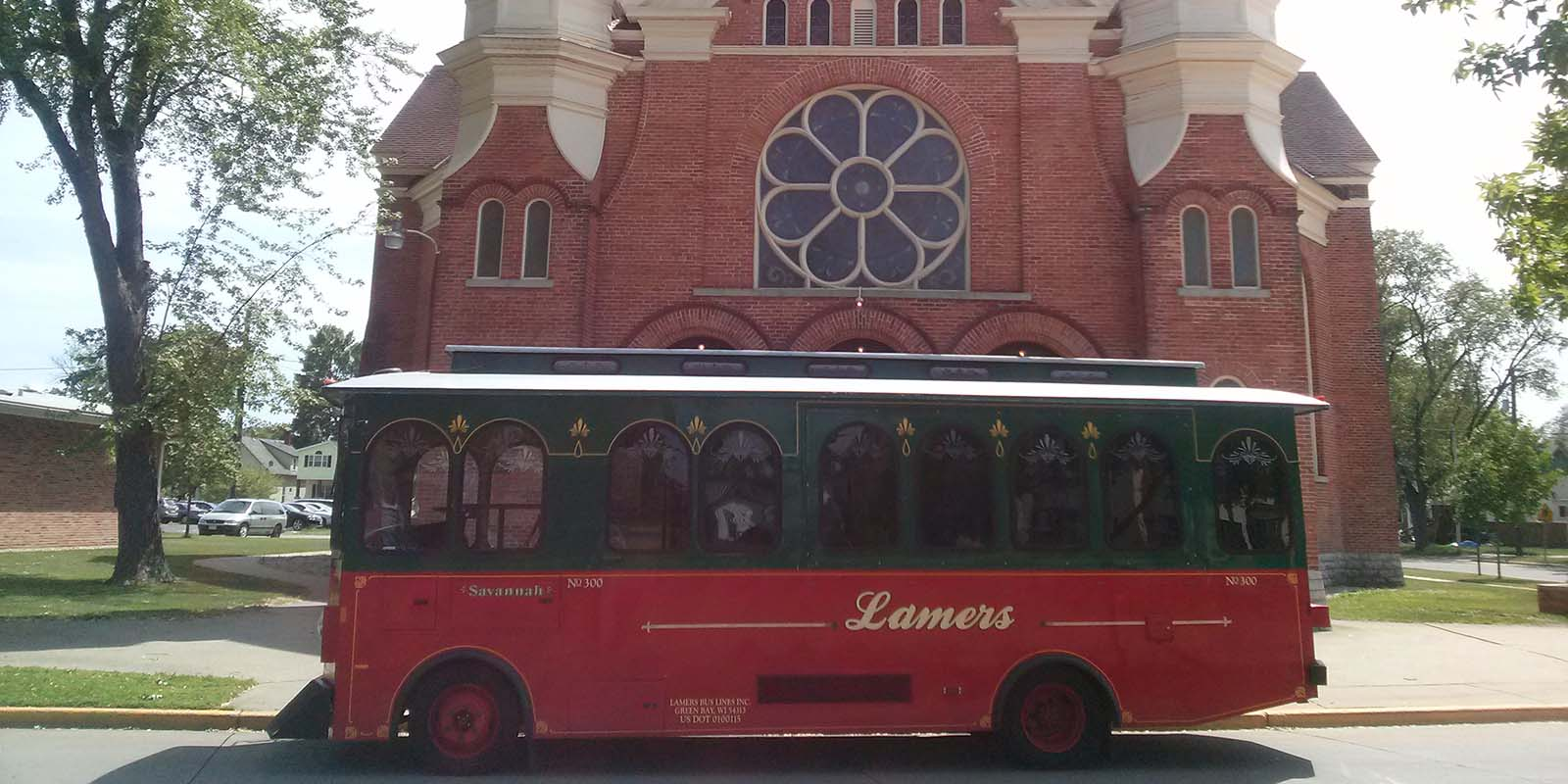 Lamers Bus Lines, Inc. 7 tips for planning your wedding