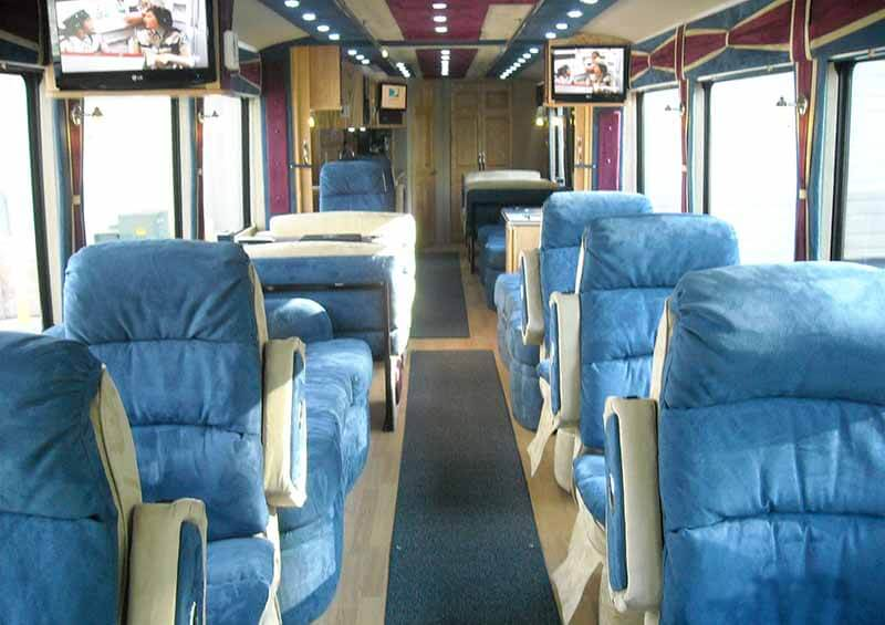 Lamers Bus Lines, Inc. executive coach bus interior
